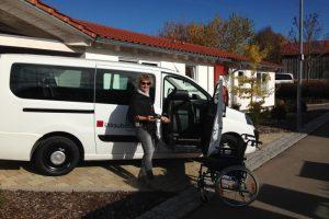 Rollstuhlgerechter Panoramabus